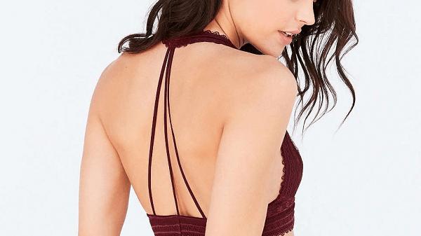 Chăm chỉ sử dụng thường xuyên bạn sẽ tự tin diện áo hở lưng, 2 dây