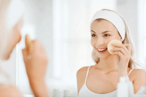 Ngoài khả năng tiêu diệt mụn Anti Acne HD Derma còn giúp giảm thâm đem lại làn da sáng mịn
