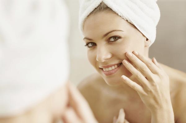 Sử dụng Gel giúp thanh lọc da HD Ceuticals Clinic Purify thường xuyên sẽ giúp da trông rạng rỡ hơn vào mỗi sáng