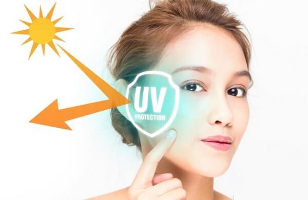 Kem chống nắng giúp bảo vệ da trước tia UV