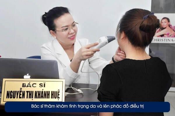 Tại đây bạn sẽ được bác sĩ trực tiếp thăm khám, soi da