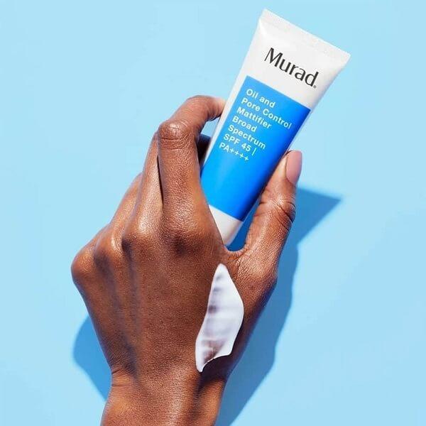 Sản phẩm có công dụng kiểm soát độ dầu nhờn trên da đến 10 giờ