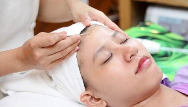 Cách chăm sóc da sau khi nặn mụn ở Spa hiệu quả nhất