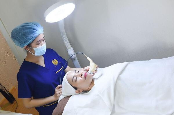 Liệu trình trị mụn chuyên sâu tại Spa bao gồm nhiều bước và nhiều giai đoạn khác nhau